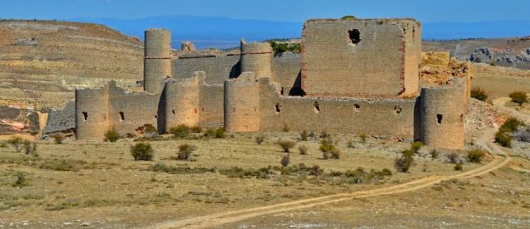Lienzo sur de las murallas del castillo