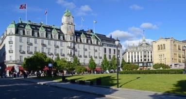 Plaza del Parlamento. Gran Hotel