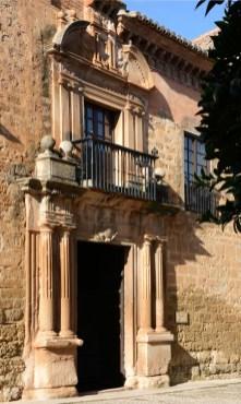 Palacio de Mondragón. Portada