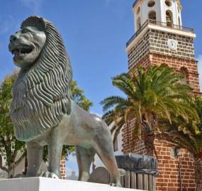 Leones - Plaza de la Constitución
