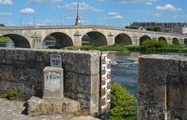 Escala de crecidas del río Loira