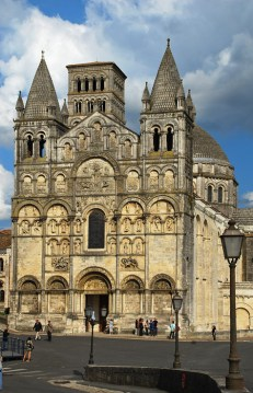 ANGOULEME-Notre-Dame-(5)