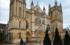 Fachada Catedral de San Pedro (Poitiers)