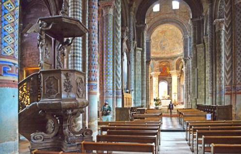 Notre-Dame : Nave central y púlpito