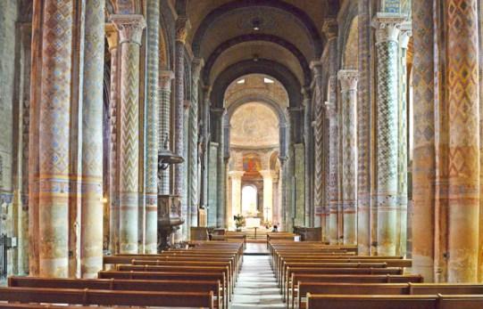Nave central de Notre-Dame la Grande