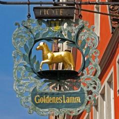Goldenes Lamm (Cordero Dorado)