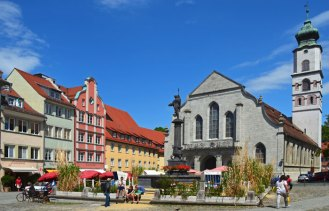 Iglesia de San Esteban y Neptunbrunnen