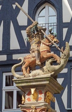 Estatua de San Jorge (Georgsbrunnen)