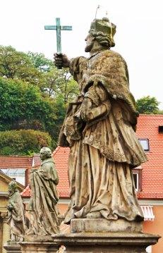 Esculturas del Puente Viejo