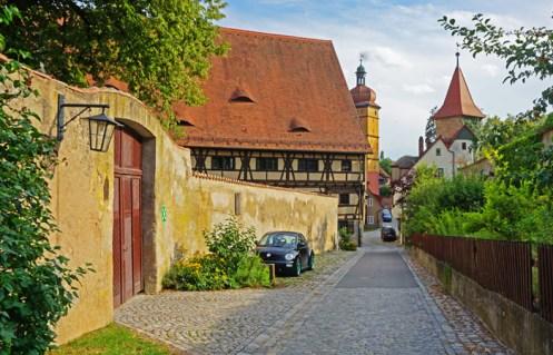Casas junto a las murallas de Dinkelsbühl