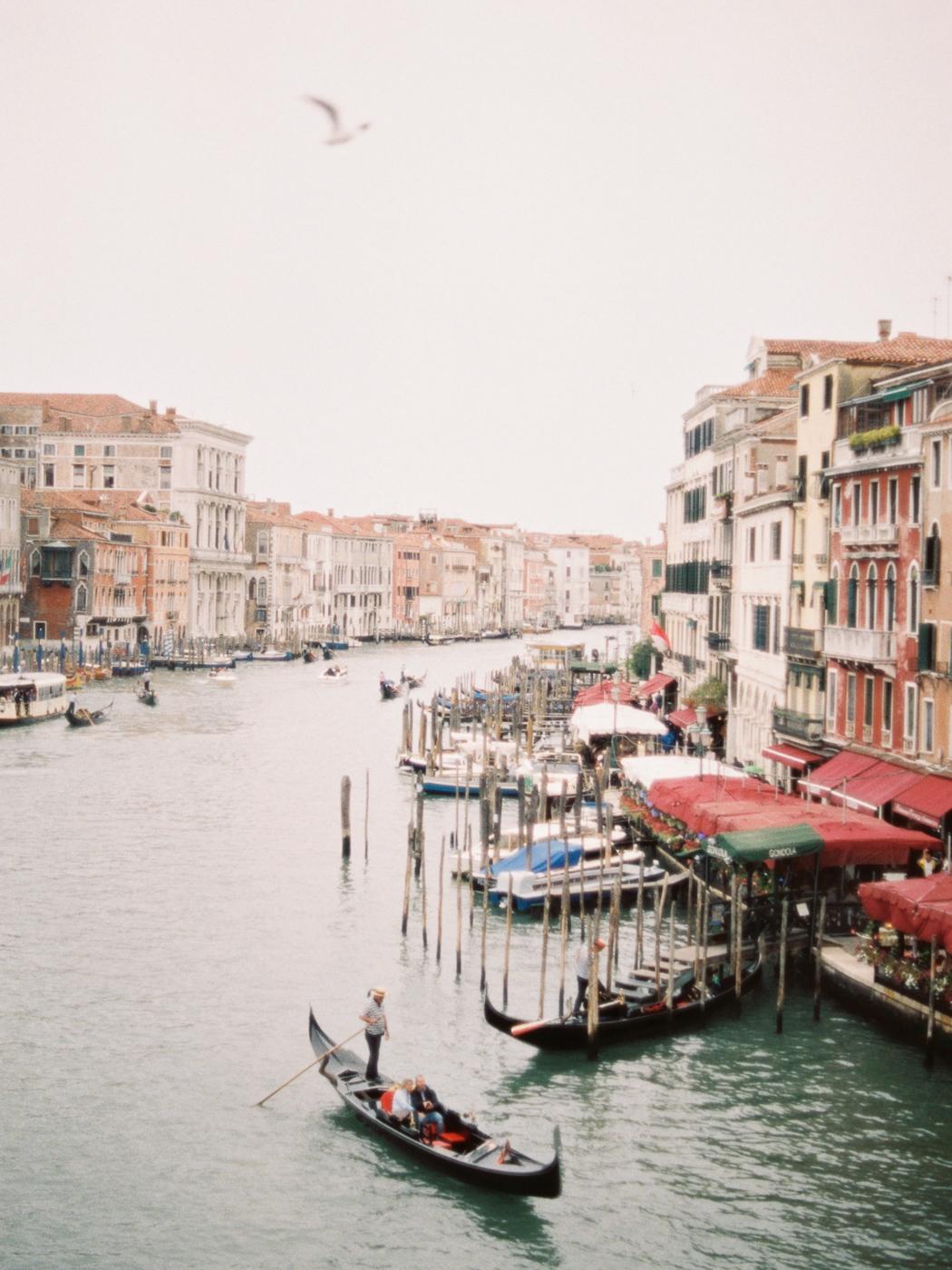 Carlos-Hernandez-Photography-Wedding-Editorial-Venice-Italy-1_001