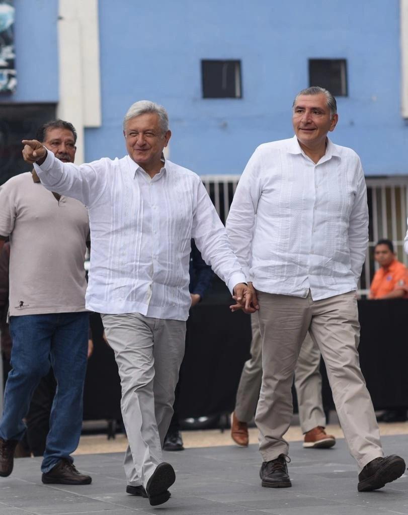 En lo que nos distraemos con López Obrador