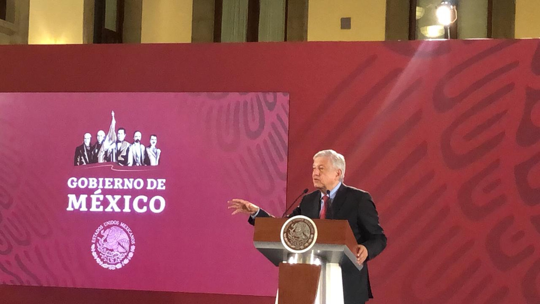 """Hay indeseables metidos"", dijeron a AMLO"