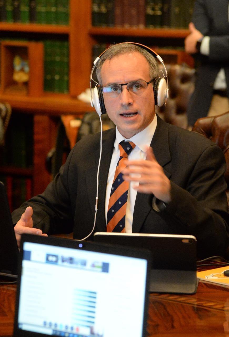 Las dudas sobre el doctorado de López-Gatell