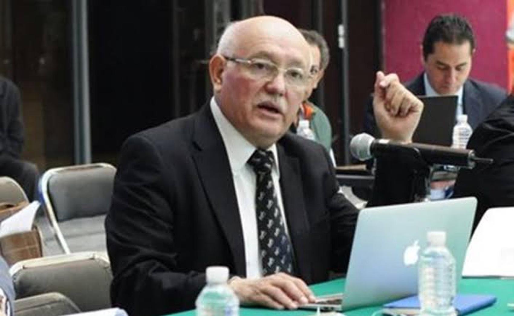 Por incompetente o por cómplice, el Auditor debe renunciar