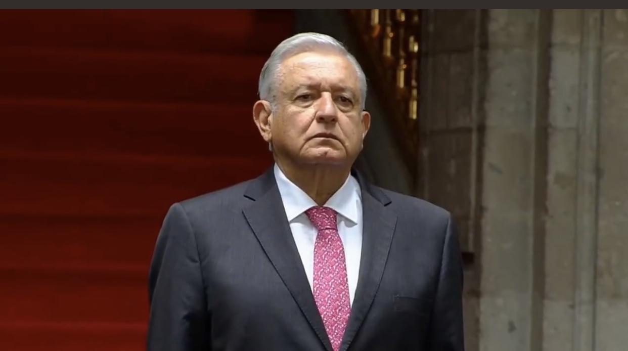 Derrotado como presidente, AMLO se viste de líder de partido