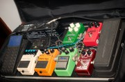 How to assemble a guitar pedalboard: a complete guide