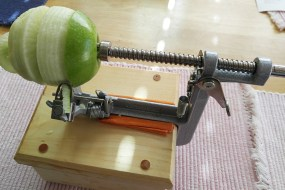 How To Use an Apple Peeler-Corer