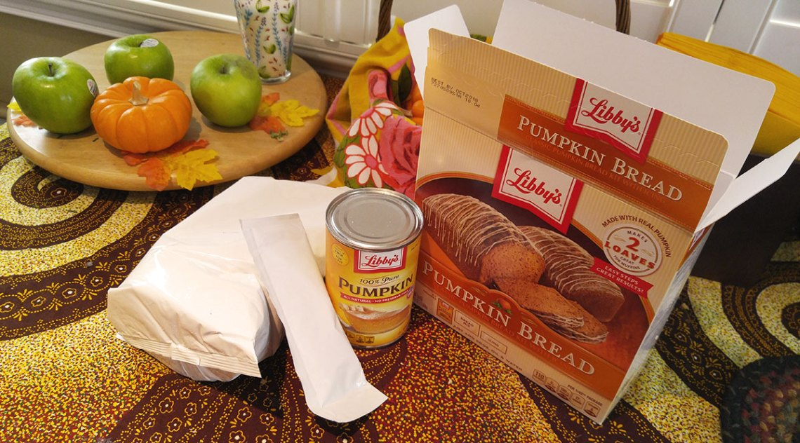Libby's Pumpkin Bread Kit with Icing packaging