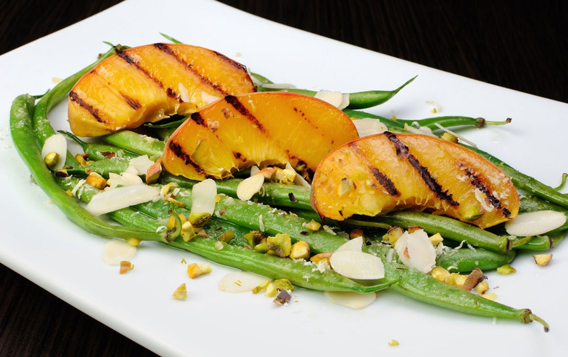 Grilled Peaches With Green Beans and Roasted Almonds