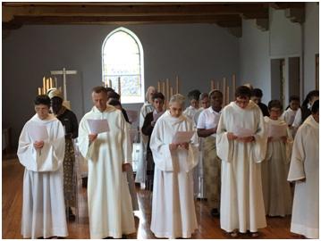 Partage de l'Eucharistie.
