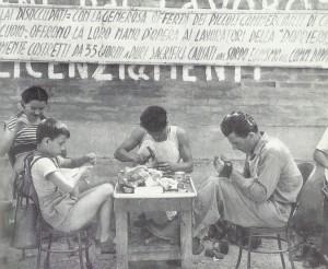 1950. Solidarietà dei calzolai alle operaie della Doppieri.