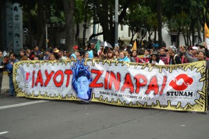 Messico stricione grande ayotzinapa-25-s-2015-mexico-city-203-small
