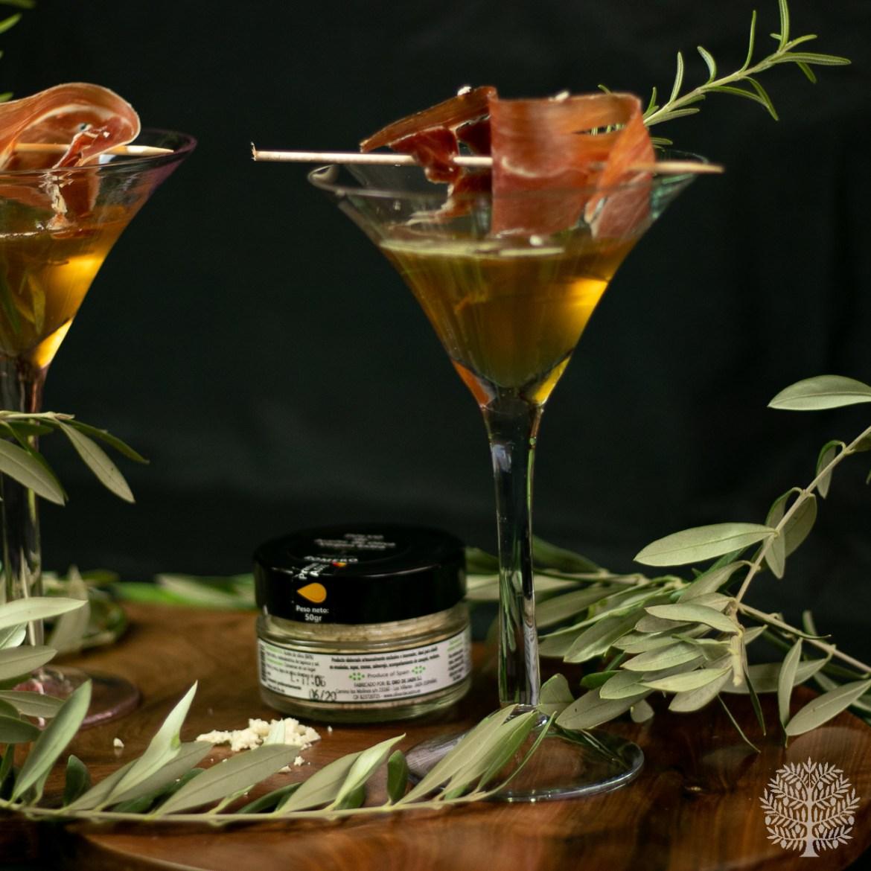 Cóctel de Jerez, con jamón y polvo de aove