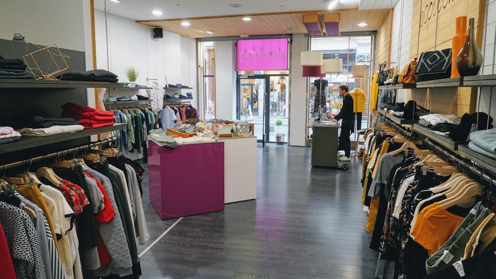 Maxime dans la boutique Popleen à Lyon 1er