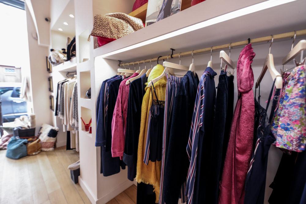 robes de chambre de qualité à lyon dans le magasin douce cocoon