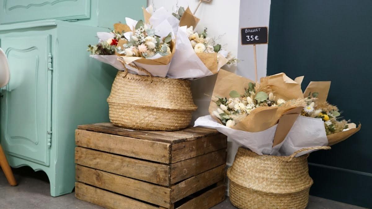 jolis bouquets de fleurs séchées pimpantes
