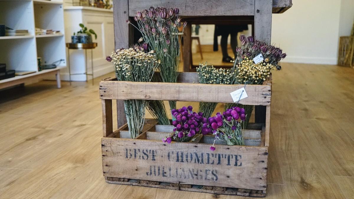 fleurs séchées à lyon dans le concept store little liamone