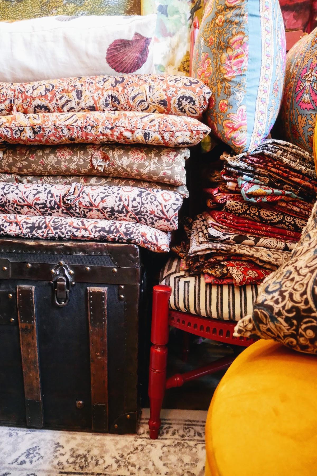 tissus dans un atelier tapissier