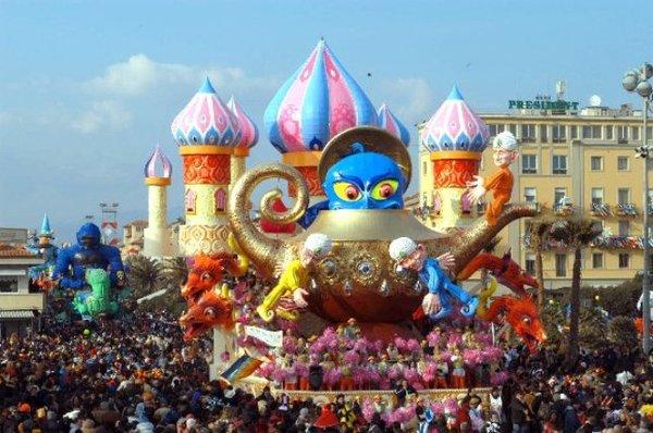 I RIONI DEL CARNEVALE DI VIAREGGIO  Carnevale di Viareggio  Carnevale di Viareggio