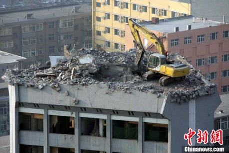 Chinese excavator drivers are Crazy