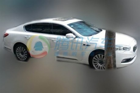 Kia K9 testing in China