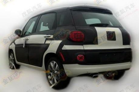 Fiat 500L testing in China