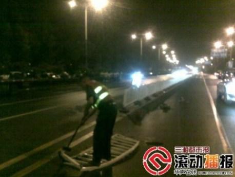 Ferrari 458 Spider crashes in China