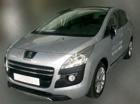 Peugeot 3008 hybrid testing in China