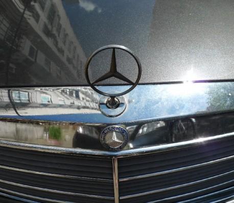 Mercedes-Benz W126 500 SEL