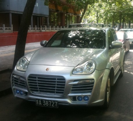 A very Pretty Porsche Cayenne in China