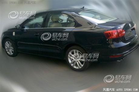 Spy Shots: Volkswagen Sagitar GLI testing in China