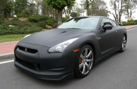 Nissan GT-R is a matte black stealth fighter in China