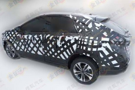 Spy Shots: Luxgen compact SUV testing in China