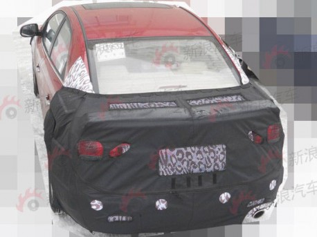 Spy Shots: faclifted Kia Forte testing in China