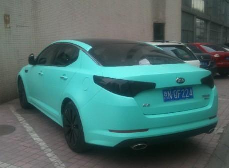 Kia K5 is matte-mint green in China
