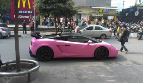 lamborghini gallardo is matte black a bit bling in china