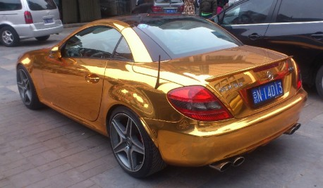 Bling! Mercedes-Benz SLK 55 AMG is Gold in China
