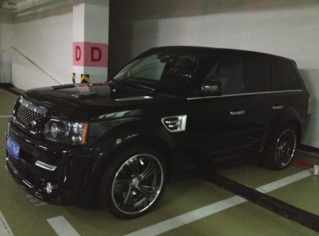 Range Rover Sport is a Black Pimpmobile in China