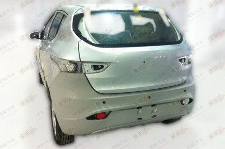 Spy Shots: FAW-Xiali T012 testing in China